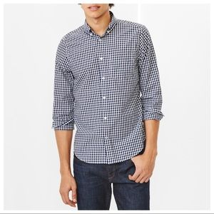 Gap Men's lived in gingham button down shirt